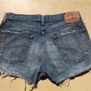 Vintage Levi Jean shorts size 8